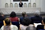 Dr. Bezerra abre a sessão, convidando a Família Imperial a que componha a mesa de honra.
